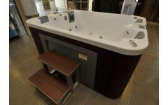衛浴設備-按摩浴缸實景展示1