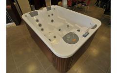 衛浴設備-按摩浴缸實景展示2