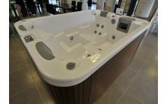 衛浴設備-按摩浴缸實景展示3