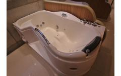 衛浴設備-按摩浴缸實景展示13